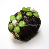 Howlite Flower Bangle (Green)