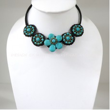 Flower howlite choker necklace (Blue)