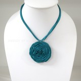 Silk flower necklace (Green)