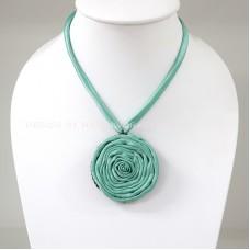 Silk flower necklace (Light Green)