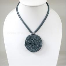 Silk flower necklace (Night Blue)