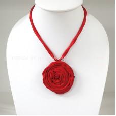 Silk flower necklace (Red)