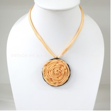 Silk flower necklace (Yellow)