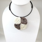 Four Silk flower choker necklace (Creme-Grey)