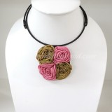 Four Silk flower choker necklace (Gold-Pink)