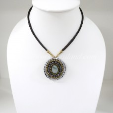 Pendant Necklace (Brown)