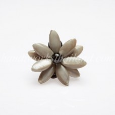 Flower Oval Shell Bead Ring (Grey)
